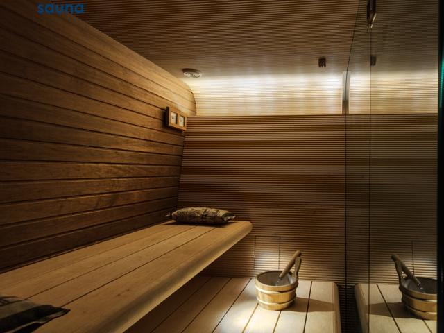 Deluxe sauna 1