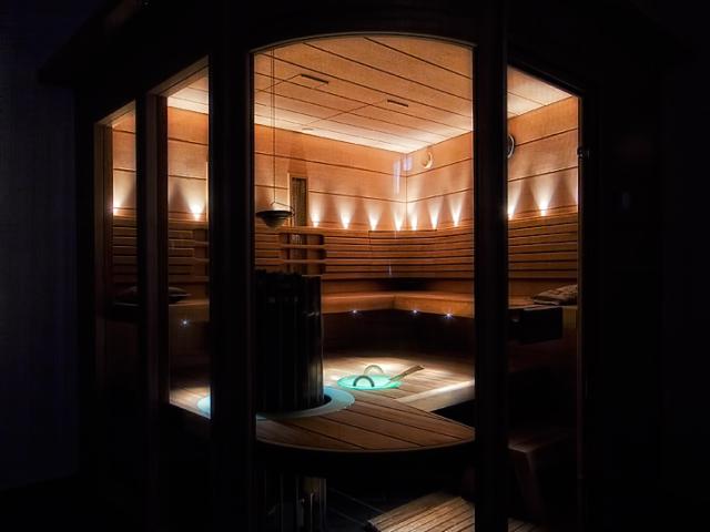 Deluxe sauna 17