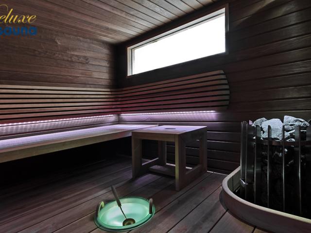 Deluxe sauna 2